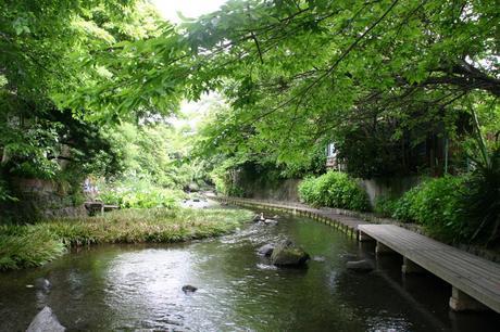三島市のせせらぎ : 日本の美しい【秘境】10選!! - NAVER まとめ