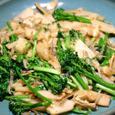 筍とブロッコリー、シラス、油揚げの炒め物