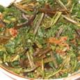 ワラビとフキの葉の炒め物