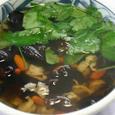干し子貝、キクラゲ、クコの実の中華スープ