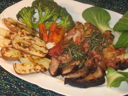 豚、鶏肉のオーブン焼き