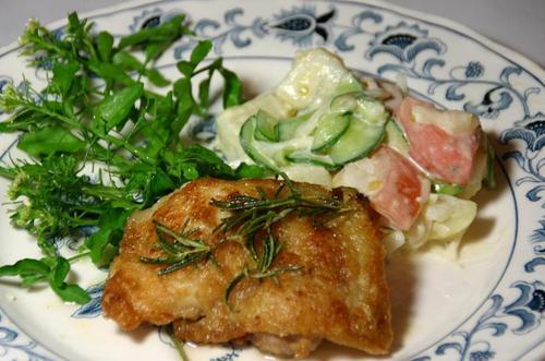鶏モモ肉ソテイーとポテトサラダ