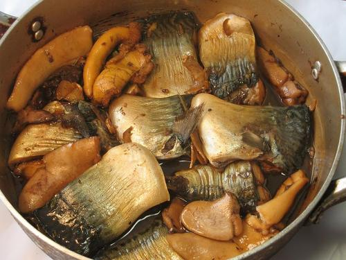 平鯖の煮つけ