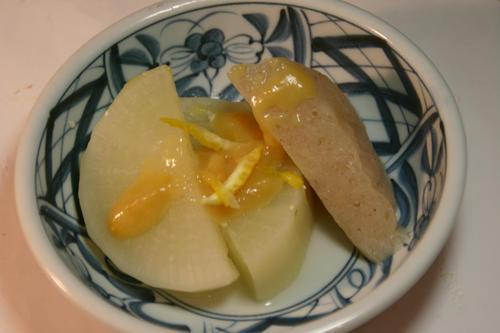 ふろふき大根とコンニャクを柚子味噌で!
