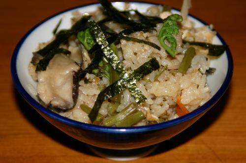 蕨のはいった炊き込みご飯