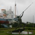 捕鯨船と漁師象
