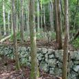 登山道にある湯山集落地跡