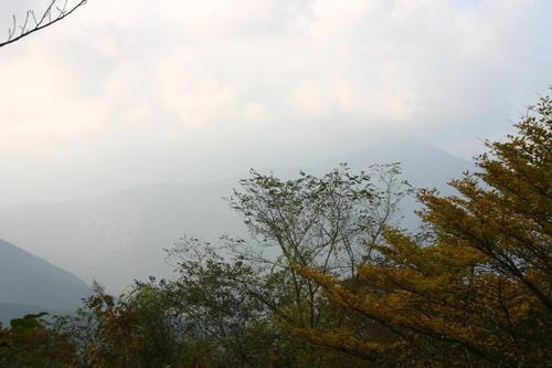 井川 富士見峠より大無間山を