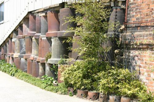 備前焼の壷の壁